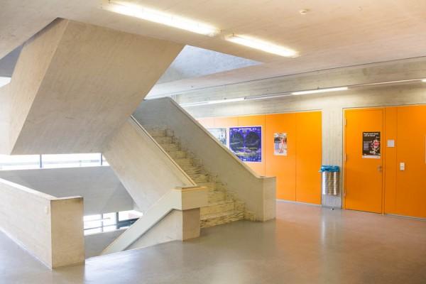 Schulhaus-2